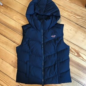 Hollister co puffer vest. Size m.